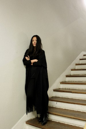 IHEARTALICE - Fashion & Travel-Blog by Alice M. Huynh from Germany: All Black Everything Look wearing Ana Alcazar Poncho