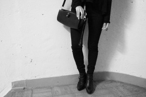 IHEARTALICE.DE – Fashion & Travel-Blog by Alice M. Huynh from Germany: All Black Everything Look wearing Skinny Jeans & Alexander Wang Pelican Sling Bag