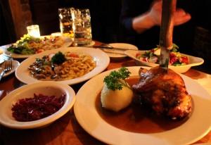 "IHEARTALICE.DE – Fashion & Travel-Blog by Alice M. Huynh from Germany: New York / NYC Travel & Food Diary – Leben in New York: Bayrische Küche im ""Zum Schneider"" in New York"