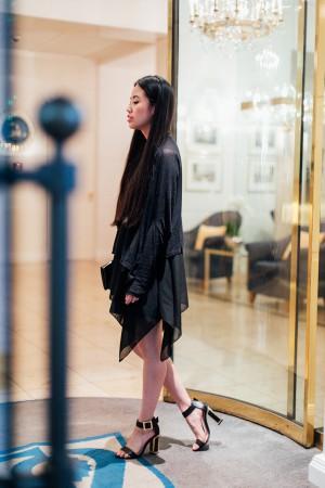 IHEARTALICE.DE – Fashion & Travel Blog: All Black Everything Look wearing Layerings, Kat Maconie Heels / OOTD