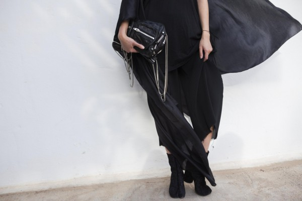 I heart Alice Looks: All black everything summer look with Alexander Wang, Maison Martin Margiela by Lina Zangers