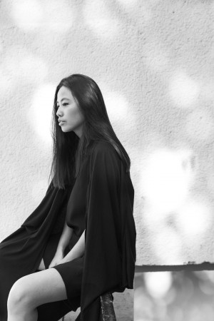 I HEART ALICE – Fashionblog from Germany: Alice M. Huynh wearing Karl Lagerfeld black Jumpsuit, Maison Martin Margiela Tabi Boots, Yohji Yamamoto Cardigan