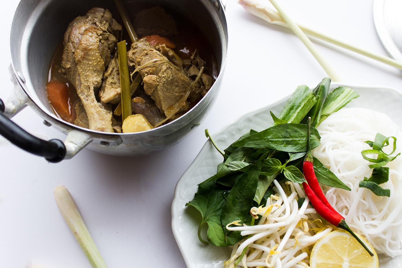 Vietnamesisches Curry mit Ente Rezept von Yvi Huynh