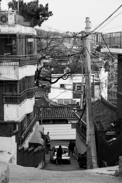 Bukchon Hanok Village / Travel Guide to Seoul, South Korea
