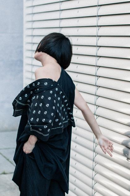 MM6 Maison Margiela Bandana-Foulard Shirt, Kurt Geiger Heels, VIU shades / All black everything outfit - iHeartAlice.com by Alice M. Huynh