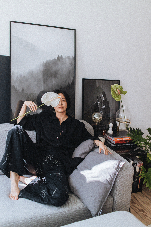 Sitzfeldt SKY Couch, Desenio Poster, Marble Sidetable- Interipr Inspiration with Alice M. Huynh / Homestory / iHeartAlice.com - Lifestyle & Travelblog