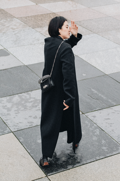 Marni Coat, Tod's Gommino Leather Slippers & Carven Mini Full Joy Leather Bag / all-black-everything Look by iHeartAlice.com / Travel & Lifestyleblog by Alice M. Huynh