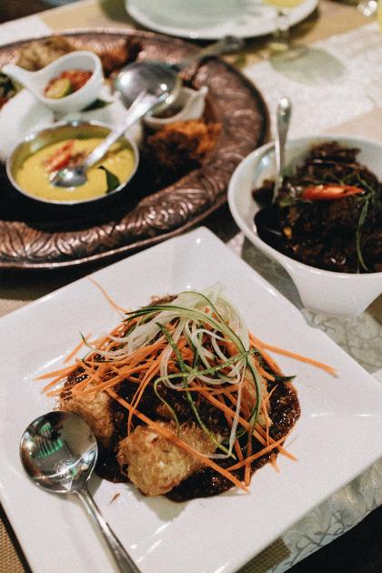 Nasi Lemak - Malay Food at Mamanda Singapore / Singapore Food Guide by iHeartAlice.com - Travel & Lifestyleblog by Alice M. Huynh