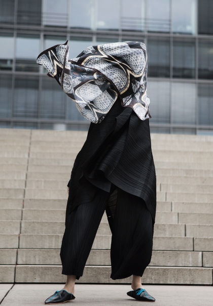 ABURY x Alice M. Huynh – all black everything Fair Fashion / Issey Miyake Pleats Please Two Piece iHeartAlice.com – Travel, Style & Lifestyleblog