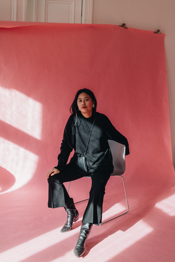 Black Pink Casual w/ COS Wool Jumper & TOMBOY Flared Trousers / All Black Everything Look by Alice M. Huynh - iHeartAlice.com / Travel, Lifestyle & Fashionblog based in Berlin, Germany