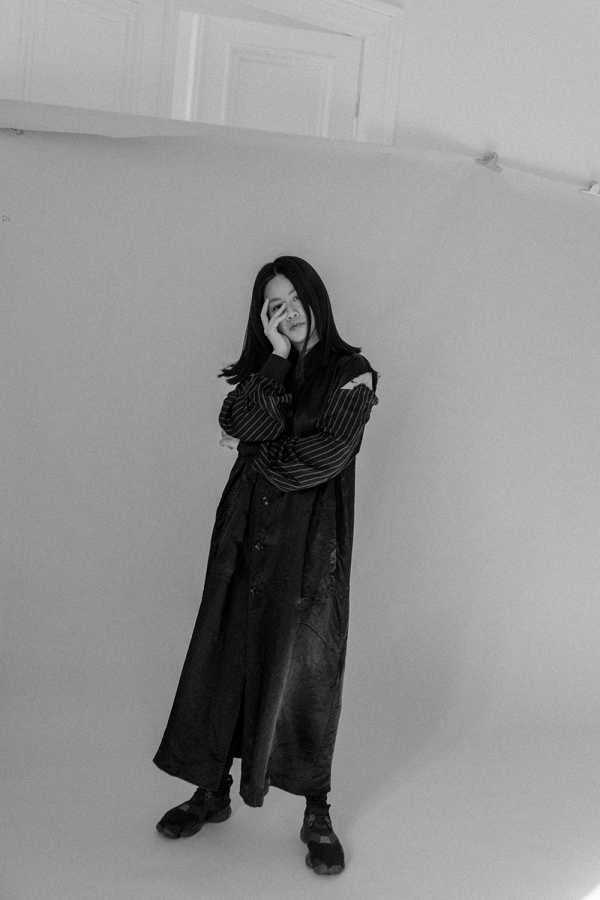 Comme des Garçons Staff Jacket & Y-3 Kohna Sneakers / All Black Everything Look by Alice M. Huynh - iHeartAlice.com / Travel, Lifestyle & Fashionblog based in Berlin, Germany