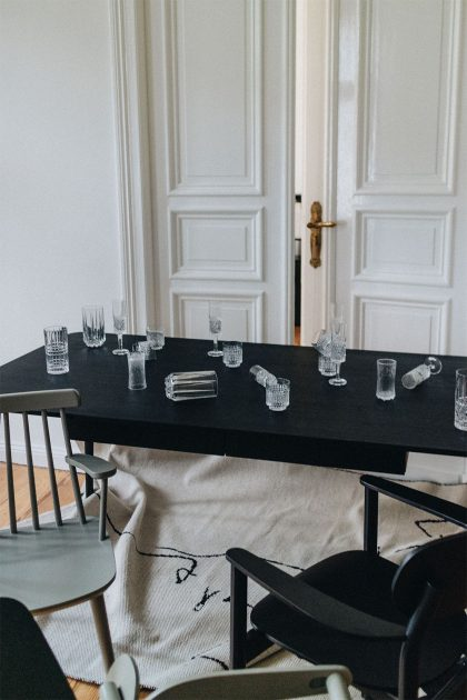 Homestory: Dining Table TYMBER NORDYC by MYCS / Minimalist Interior Inspiration by Alice M. Huynh - Travel, Lifestyle & Fashionblog - iHeartAlice.com
