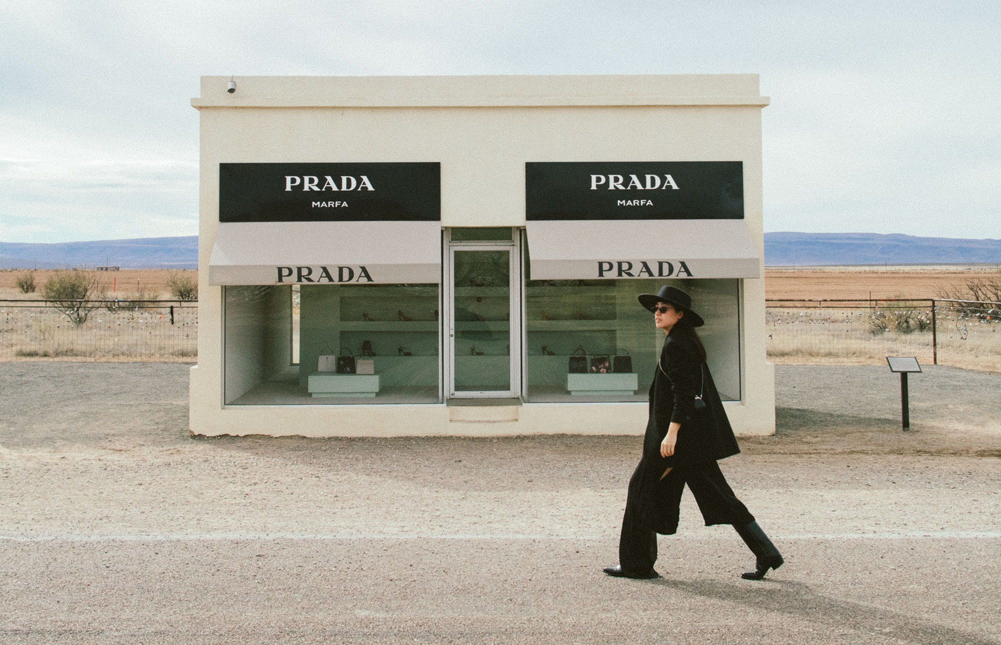 Prada Marfa - Texas Travel Diary / All Black Everything Cowboy Look - iHeartAlice.com / Travel, Lifestyle, Fashion & Foodblog – 7 Things To Do & See in Marfa, Texas