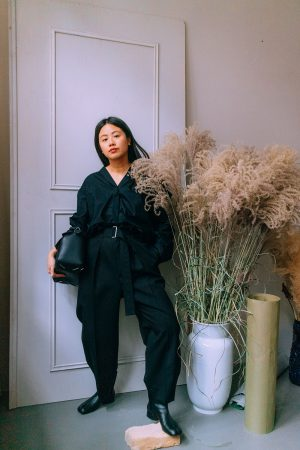 LOEWE Puzzle Bag + Maison Margiela Tabi Boots / Lifestyle, Fashion & Travelblog by Alice M. Huynh from Berlin, Germany - All Black Everything Minimalist Look