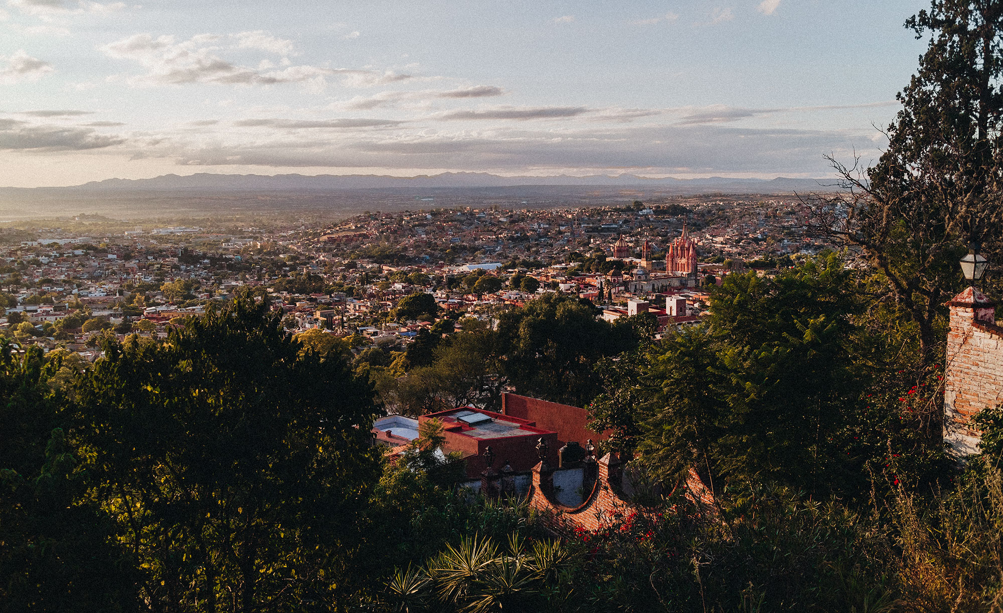 Sundowner over San Miguel de Allende / A Quick Travel Guide To San Miguel de Allende – 7 Things To Do & See / Guanajuato, Mexico by Alice M. Huynh - iHeartAlice.com Travel, Fashion & Lifestyleblog / Mexico Travel Guide