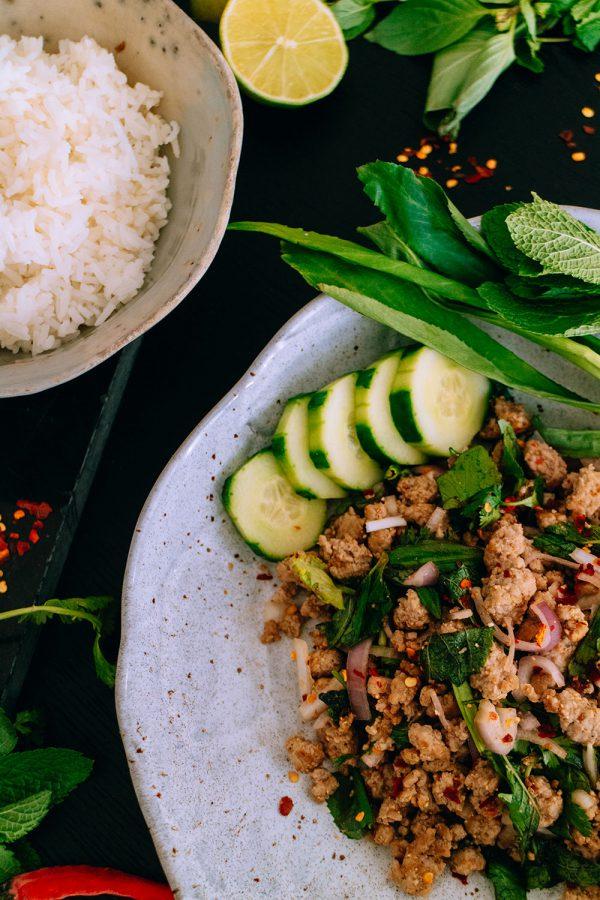 Authentic Thai Larb Recipe – Larb Moo ลาบหมู Rezept – Authentischer Thai Larb Salat Rezept von iHeartAlice.com - Travel, Lifestyle, Foodblogger aus Berlin, Deutschland