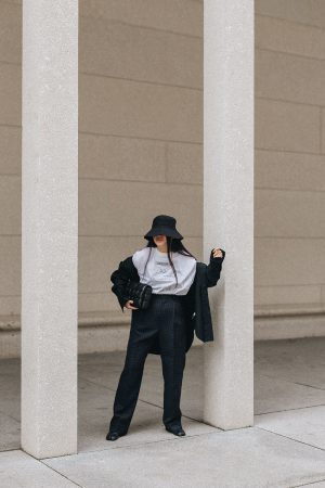 Bottega Veneta Padded Cassette Bag & In Private Studio Dinner for One T-Shirt / All-Black-Everything Look by Alice M. Huynh – iHeartAlice.com Lifestyle, Travel & Fashionblog from Berlin, Germany / Minimalist Fashion Streetstyle