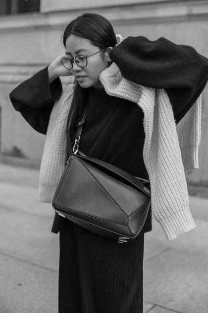 Cozy Knits & LOEWE Puzzle Bag / All-Black-Everything Look by Alice M. Huynh – iHeartAlice.com Lifestyle, Travel & Fashionblog from Berlin, Germany / Minimalist Fashion Streetstyle