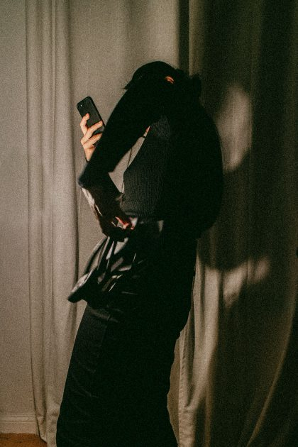 Midnight Dancing – Sleek Knits for Autumn / All Black Everything Minimalist Look by Alice M. Huynh – Travel, Lifestyle, Fashion & Foodblogger based in Berlin, Germany