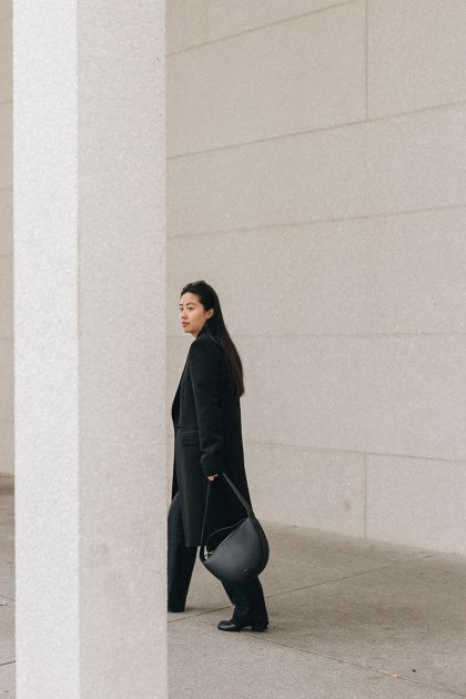 Pallas Endor Coat & Maison Margiela Tabi Boots / All-Black-Everything Look by Alice M. Huynh – iHeartAlice.com Lifestyle, Travel & Fashionblog from Berlin, Germany / Minimalist Fashion Streetstyle