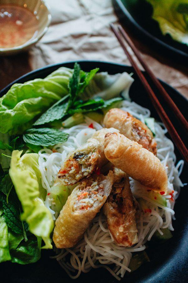 Bún Chả Giò - Reisnudeln mit Frühlingsrollen Rezept / Authenthisch Vietnamesisch Kochen mit iHeartAlice.com – Travel, Lifestyle & Foodblog by Alice M. Huynh