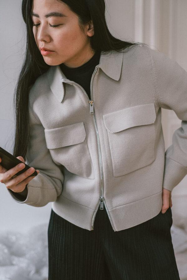 Black & Taube / ARKET Merino Boxy Jacket & Issey Miyake Pleats Please Trousers – Berlin based Travel, Lifestyle & Fashionblog by Alice M. Huynh