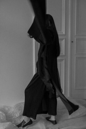 Marni Coat & Maison Margiela Shirt – All Black Everything Oversize Look / iHeartAlice.com – Travel, Lifestyle & Fashionblog by Alice M. Huynh based in Berlin, Germany