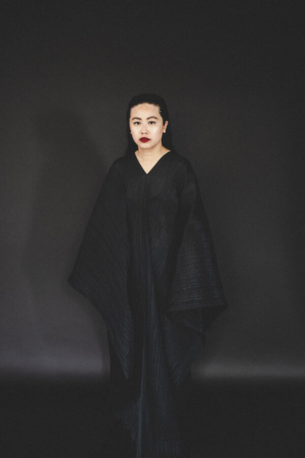 Pleats Please Issey Miyake Cape Dress / German Travel, Lifestyle & Fashionblog by Alice M. Huynh